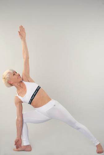 instruktoři  elina  bikram yoga prague  nejlepší joga